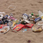 Trash-on-the-Beach__125734-480x320